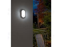 Oprawa oświetleniowa owalna LED OL 1650 P z czujnikiem ruchu na promieniowanie podczerwone 1680lm, IP54-258111